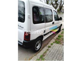 http://www.gallito.com.uy/citroen-berlingo-14-año-2007-blanca-5-puertas-aa-dh-autos-12084487