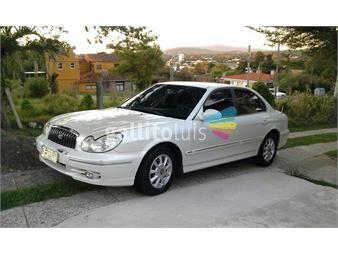 http://www.gallito.com.uy/excelente-huyndai-sonatafue-de-embajada-autos-12383622