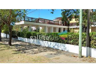 http://www.gallito.com.uy/buen-apartamento-en-salinas-a-una-cuadra-de-la-playa-inmuebles-12511925