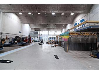 http://www.gallito.com.uy/930-m2-techados-cgran-calidad-arquitectonica-entero-inmuebles-12568342