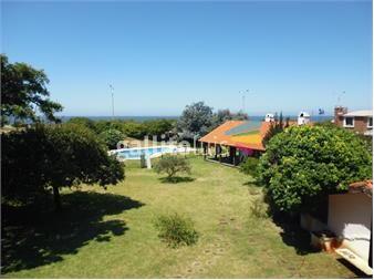 http://www.gallito.com.uy/gran-terreno-esquina-de-los-ultimos-en-rambla-de-carrasco-inmuebles-12783830