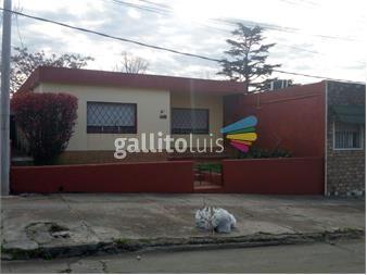 http://www.gallito.com.uy/casa-en-carrito-muy-buen-estado-y-buena-locomocion-inmuebles-12974640