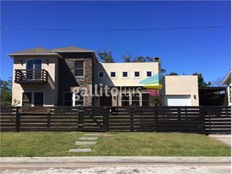 http://www.gallito.com.uy/hermosa-y-amplia-casa-a-una-cuadra-y-media-del-mar-inmuebles-13021760