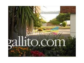 http://www.gallito.com.uy/apartamento-en-edificio-frente-al-mar-y-otro-cerca-shopping-inmuebles-13073319