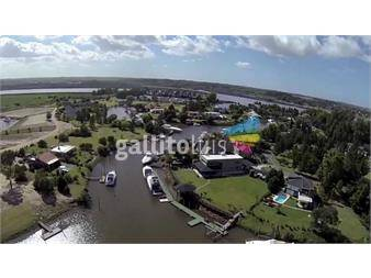http://www.gallito.com.uy/marina-stalucia-barrio-nautico-privado-varias-opciones-inmuebles-12034771