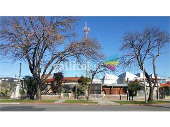 http://www.gallito.com.uy/espectacular-casa-a-1-cuadra-de-centenario-y-jpvarela-inmuebles-12052637