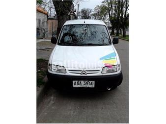 http://www.gallito.com.uy/citroen-berlingo-motor-14-año-2007-blanca-5-puertas-autos-12084487