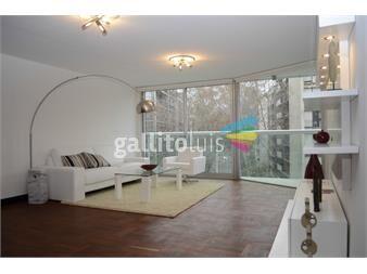 http://www.gallito.com.uy/apto-en-pocitos-3-dormitorios-en-suite-y-servicio-unico-inmuebles-12163961