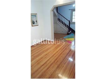 http://www.gallito.com.uy/impecable-casa-en-pocitos-4-dorm-3-baños-fondo-y-garage-inmuebles-12460894