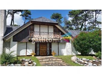 https://www.gallito.com.uy/casa-en-venta-mansa-punta-del-este-4-dormitorios-inmuebles-14780651