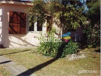 https://www.gallito.com.uy/lindas-casa-de-tejas-y-comoda-inmuebles-14660365