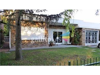 https://www.gallito.com.uy/dueño-vende-luminosa-casa-principal-y-otra-completa-al-fondo-inmuebles-13121305