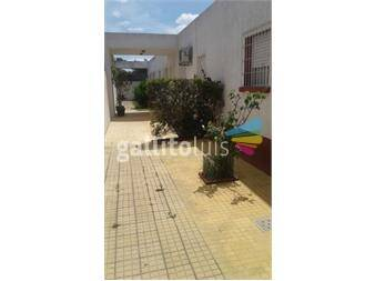 https://www.gallito.com.uy/ph-al-fondo-tipo-casita-con-patio-si-banco-inmuebles-13219395