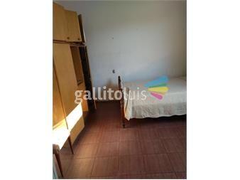 https://www.gallito.com.uy/pieza-con-muebles-hombre-solo-en-av-agraciada-inmuebles-13216277