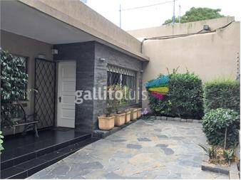 https://www.gallito.com.uy/excelente-casa-con-patio-a-la-venta-en-buceo-inmuebles-13755969