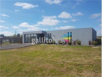 https://www.gallito.com.uy/casas-de-3-dormitorios-y-cochera-en-colinas-de-carrasco-inmuebles-14245931