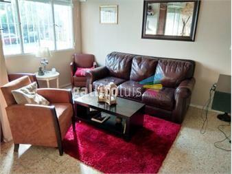 https://www.gallito.com.uy/venta-de-casa-3-dor-2-baños-garage-fondo-patio-jardin-inmuebles-15257165