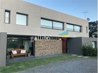 https://www.gallito.com.uy/dueño-vende-casa-4-dorm-3-baños-altos-de-la-tahona-unica-inmuebles-15294741