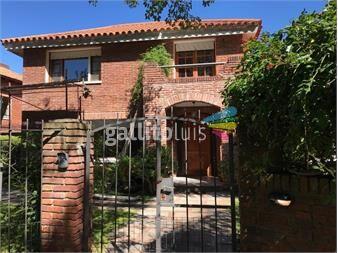 https://www.gallito.com.uy/venta-casa-en-jardines-de-carrasco-de-4-dormitorios-inmuebles-15348602