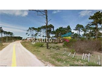 https://www.gallito.com.uy/muy-buen-terreno-a-7-cuadras-de-playa-el-rivero-inmuebles-15354245