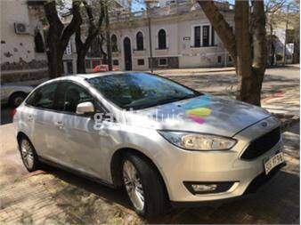 https://www.gallito.com.uy/dueño-vende-ford-focus-automatico-17924176