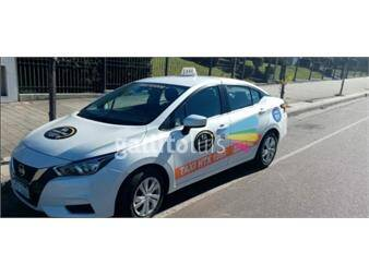 https://www.gallito.com.uy/taxi-nissan-new-versa-sense-flamante-18374762
