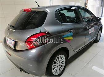 https://www.gallito.com.uy/peugeot-208-15-allure-2017-full-unico-dueño-19089475