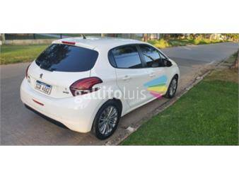 https://www.gallito.com.uy/peugeot-208-12-frances-19220780