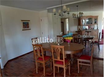 https://www.gallito.com.uy/mesa-de-comedor-de-roble-maciza-productos-19611593