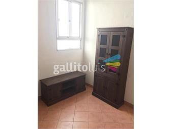 https://www.gallito.com.uy/mueble-rack-para-tv-cristalerobiblioteca-madera-maciza-productos-19827716