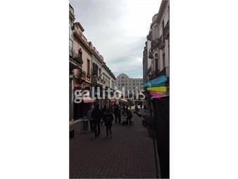 https://www.gallito.com.uy/local-sobre-peatonal-perez-castellanos-proximo-al-mercado-d-inmuebles-12832525