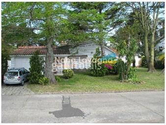 https://www.gallito.com.uy/casa-en-venta-mansa-punta-del-este-5-dormitorios-inmuebles-14908392