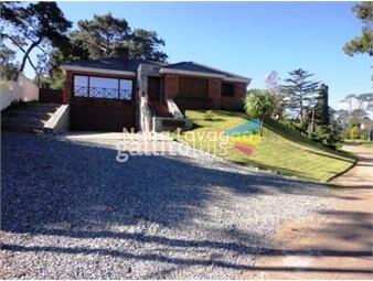 https://www.gallito.com.uy/casa-en-venta-cantegril-punta-del-este-5-dormitorios-inmuebles-14908512