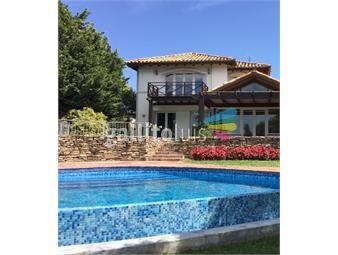 https://www.gallito.com.uy/venta-casa-barrio-privado-inmuebles-15041065