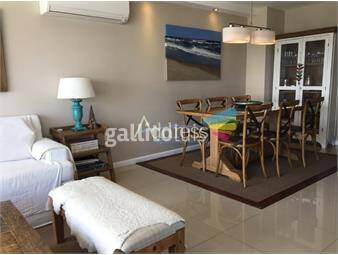 https://www.gallito.com.uy/edificio-palm-beach-parada-8-playa-mansa-inmuebles-15211040