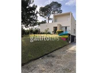 https://www.gallito.com.uy/muy-linda-casa-en-barrio-cerrado-inmuebles-15381445