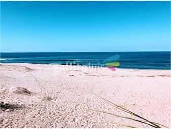 https://www.gallito.com.uy/venta-sobre-la-playa-inmuebles-17131566
