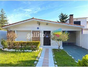 https://www.gallito.com.uy/venta-casa-frente-a-parque-roosvelt-inmuebles-18193034