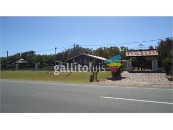 https://www.gallito.com.uy/frente-al-mar-a-9-kms-de-piriapolis-7000-mts-2-piscinas-inmuebles-12619896