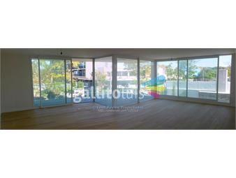 https://www.gallito.com.uy/calidad-y-confort-3-dormitorios-1estar-4-baños-2-garajes-inmuebles-14190364