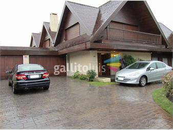 https://www.gallito.com.uy/residencia-de-nivel-en-excelente-ubicacion-inmuebles-13437124