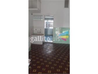 https://www.gallito.com.uy/casa-amplia-en-maroñas-inmuebles-13570808