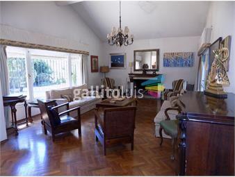 https://www.gallito.com.uy/en-solar-de-1600-mts-proximo-al-centro-de-carrasco-inmuebles-13583321