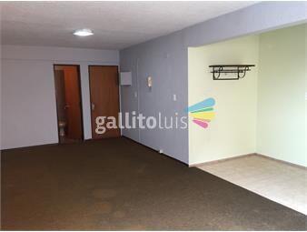 https://www.gallito.com.uy/excelente-ubicacion-a-pasos-del-nuevo-centro-inmuebles-13658588