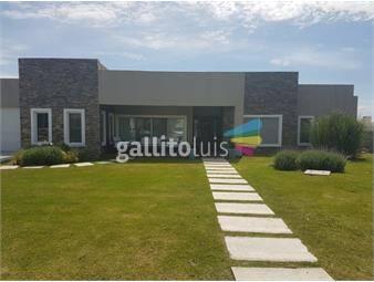 https://www.gallito.com.uy/venta-casa-barrio-privado-viñedos-de-la-tahona-inmuebles-13722981