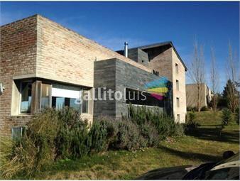 https://www.gallito.com.uy/venta-casa-3-dormitorios-suite-barrio-privado-inmuebles-14640524