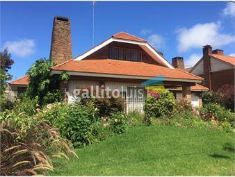 https://www.gallito.com.uy/chalet-en-la-mejor-zona-de-carrasco-inmuebles-16348231