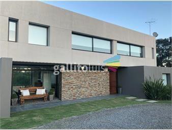https://www.gallito.com.uy/dueño-vende-casa-4-dorm-3-baños-altos-de-la-tahona-unica-inmuebles-17010146