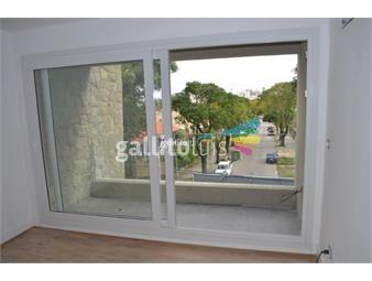 https://www.gallito.com.uy/apartamento-a-estrenar-en-malvin-al-frente-amplio-con-cocher-inmuebles-15477338