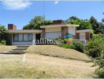 https://www.gallito.com.uy/destacado-chalet-en-zona-residencial-inmuebles-15498623